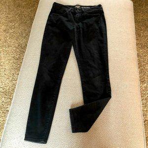 Levi's Mid-Rise Skinny Black Jeans: 27